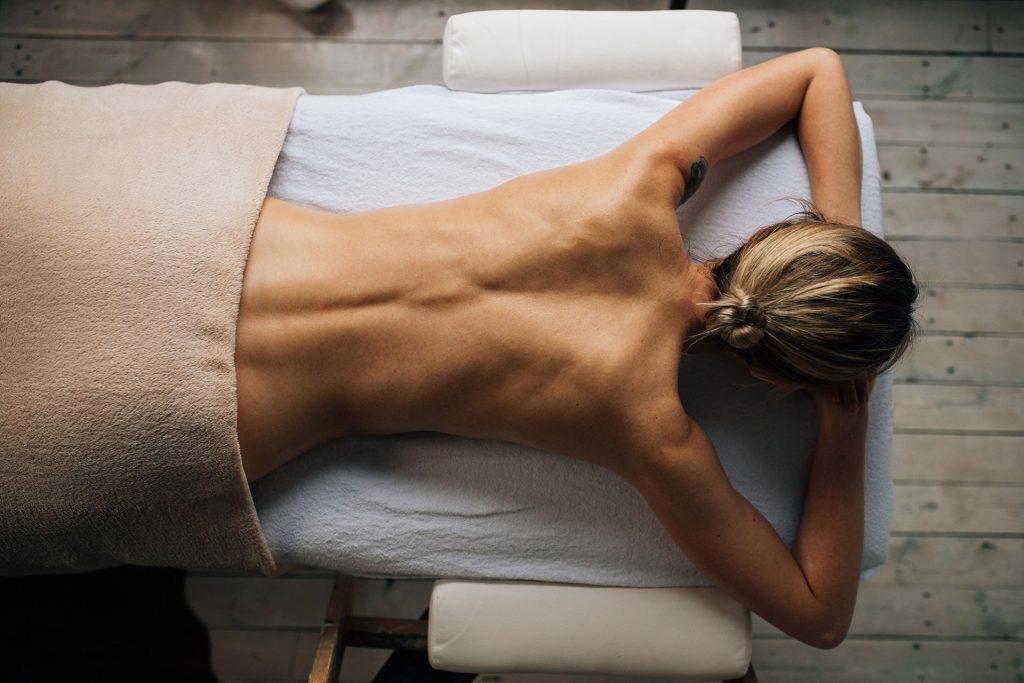 Aparatologia para definir musculo y reducir grasa